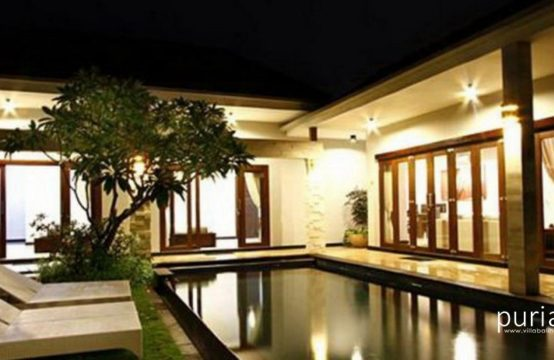Villa Amabel - Pool At Night