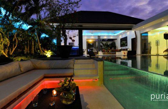 Villa Cantik Seminyak - Relax at night