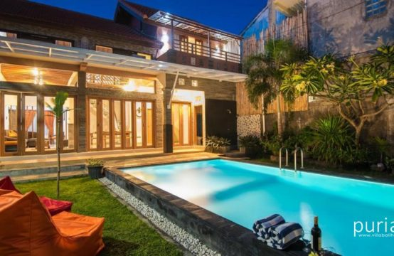 Villa Padma - Pool ar Night