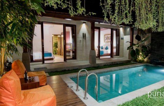 Villa Semi - Pool and Villa at Night