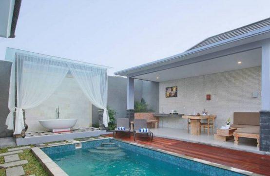 Grand Kesambi Villas - Pool and Villa