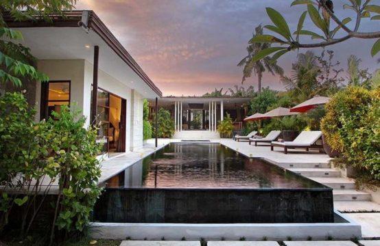 Villa Mona - Five Bedrooms Villa