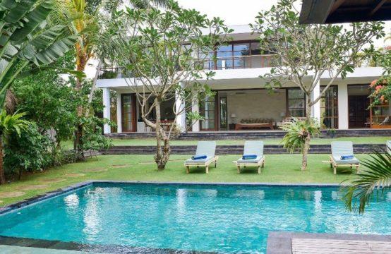 Villa Umah Tenang