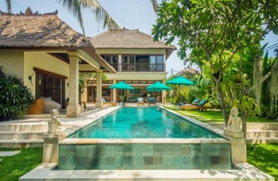 Villa Intan - Pool and Villa