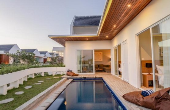 Hideaway Residence - Pool and Villa