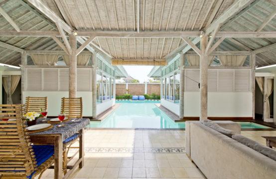 Villa Laksmana - Pool and Villa