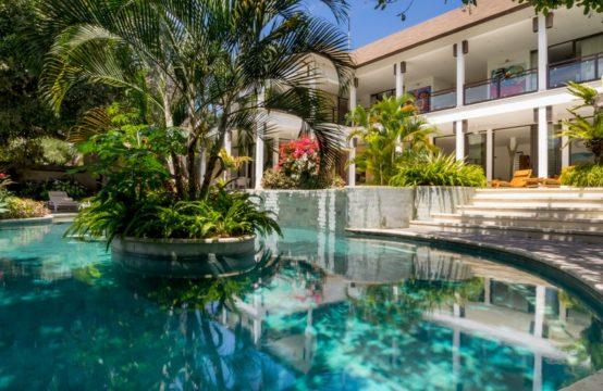 Villa Kajuharo - Pool