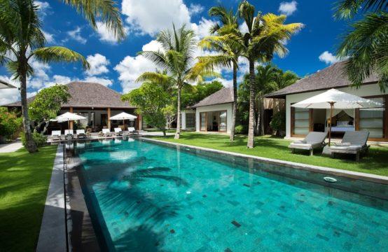 Villa Tiga Puluh - Pool