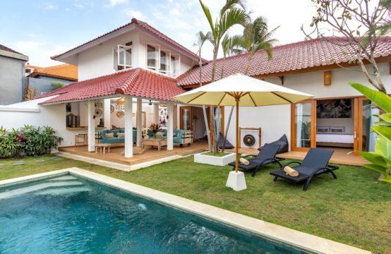 Villa Umara - Pool Daylight