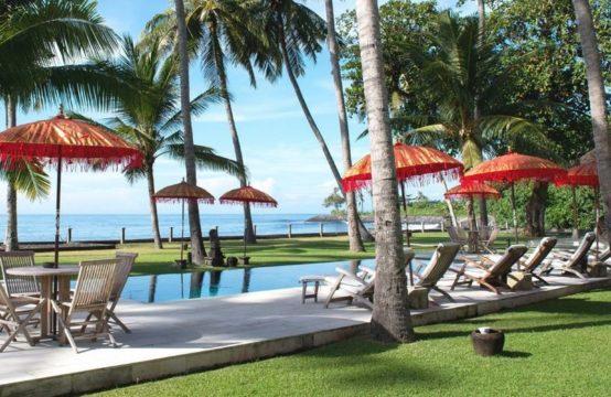 Villa Mandala - Beachfront Villa in East of Bali