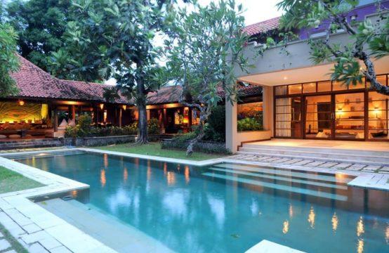 Villa Mata Budha - Dusk view pool