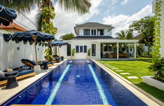 Villa Pintu Biru