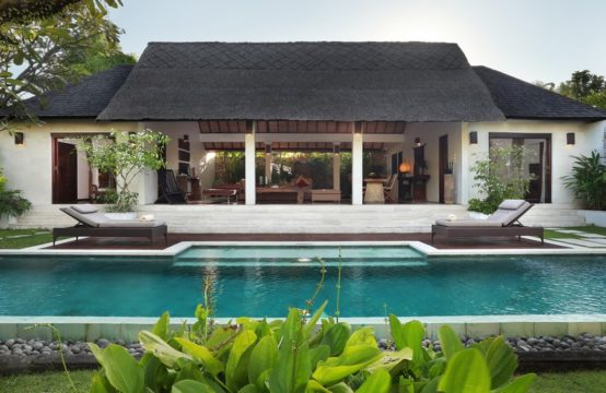 Bali Asri Two Bedrooms Villa - Villa in Seminyak